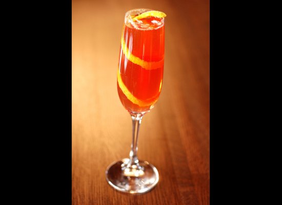 Seelbach A classic mix of bourbon bitters and bubbly